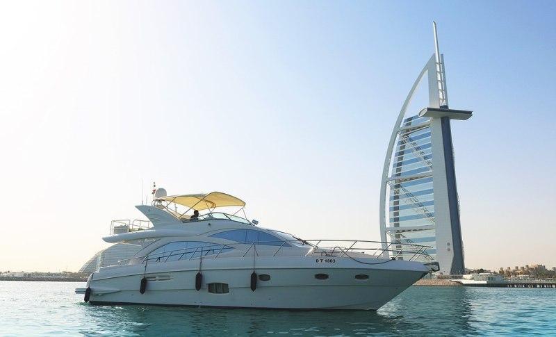Yacht Charter Burj Al Arab